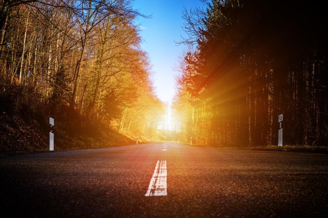 road-3159505_1920.jpg